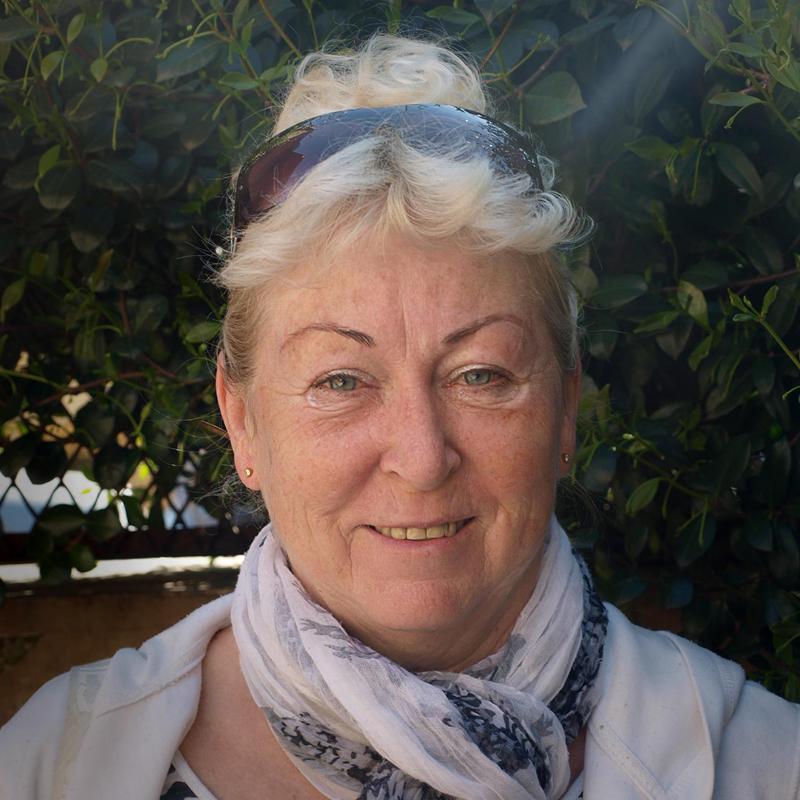 Ester Cvejnová